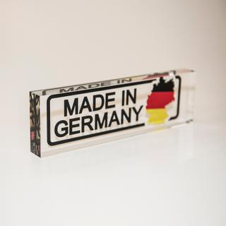 "Massiver PLEXIGLAS® Block mit Aufdruck ""Made in Germany"""